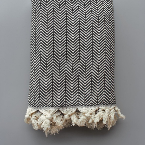 Riviere Other - Black and Cream Chevron Throw Blanket